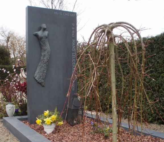 Grafstenen van luijn natuursteen - Object design eigentijds ontwerp ...